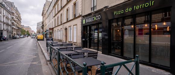 Façade du restaurant Basilic & Co Asnières (Hôtel de Ville)