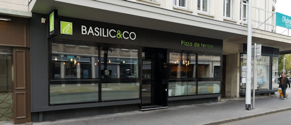 Façade du restaurant Basilic & Co Saint-Nazaire (Mairie)