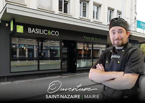 Basile Chevalier-Chantepie devant son nouveau restaurant à Saint-Nazaire