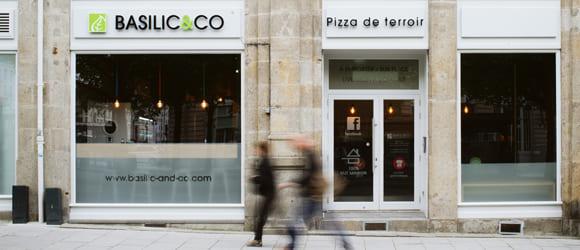 Photo de la façade extérieure du restaurant Basilic & Co de Rennes République