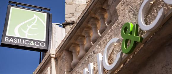 Façade extérieure du restaurant Basilic & Co de Bordeaux