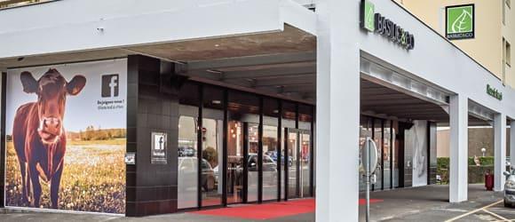 Façade extérieure du restaurant Basilic & Co du Mans