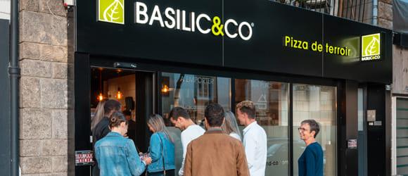 Façade extérieure du restaurant Basilic & Co de Lorient
