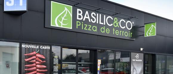 Façade extérieure du restaurant Basilic & Co de Montélimar
