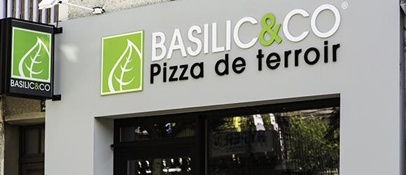 Façade extérieure restaurant Basilic & Co