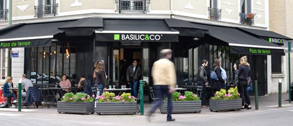 Façade extérieure du restaurant Basilic & Co de Suresnes